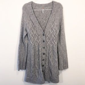 FREE PEOPLE | oversized cable knit cardigan l